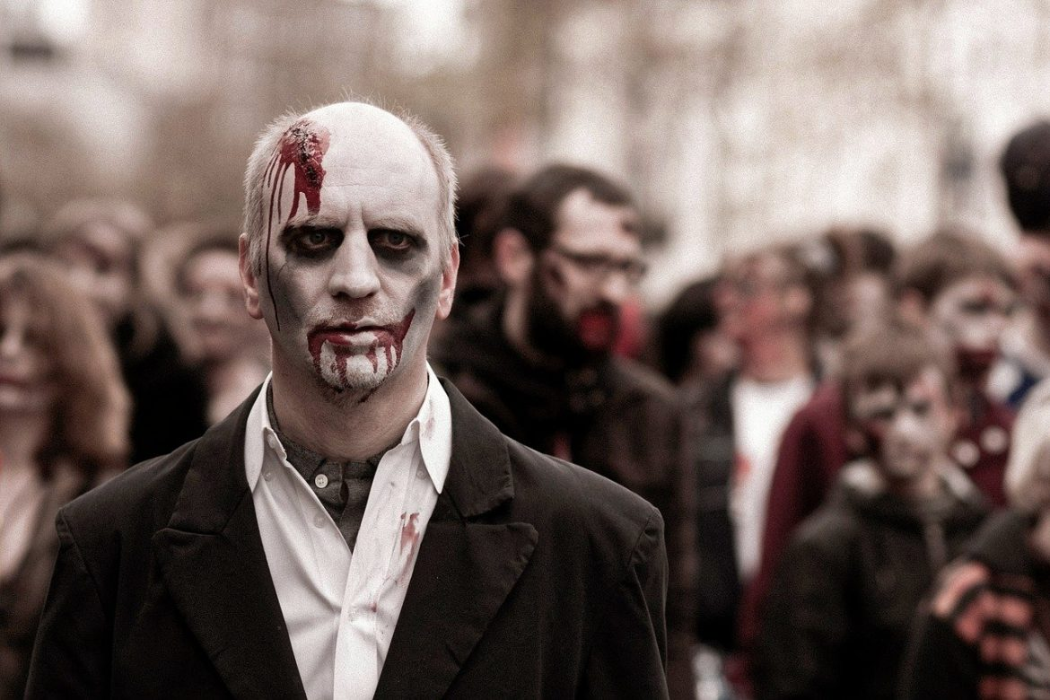 'Army of the Dead' lets Zack Snyder cut loose on a too-long zombie-heist combo